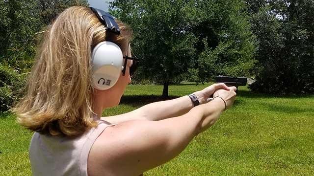 shooting-ear-muffs-women