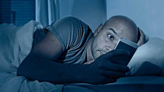 avoid-screens-at-night